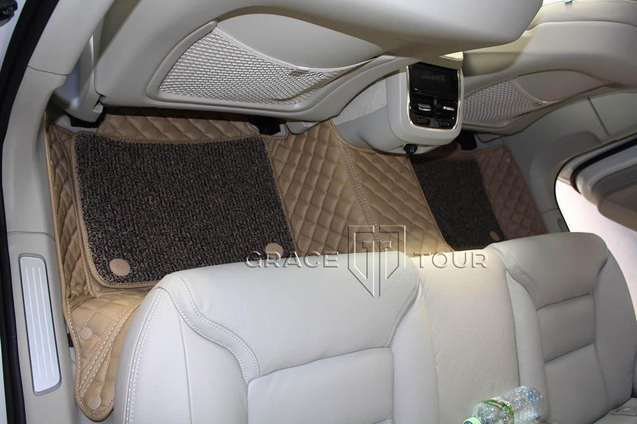 3D комплект из экокожи для Volvo V90 Cross Country. Коврики для пассажиров второго ряда соединены перемычкой