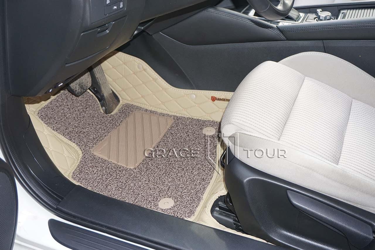 3D коврики из экокожи для Mazda 6. На водительском коврике имеется прорезиненный подпятник