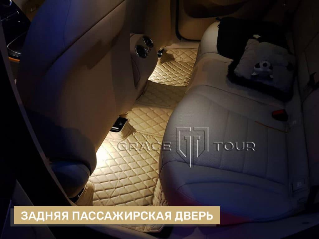 3D-коврики из экокожи Люкс на Mercedes-Benz GLC бежевые с прострочкой ромб