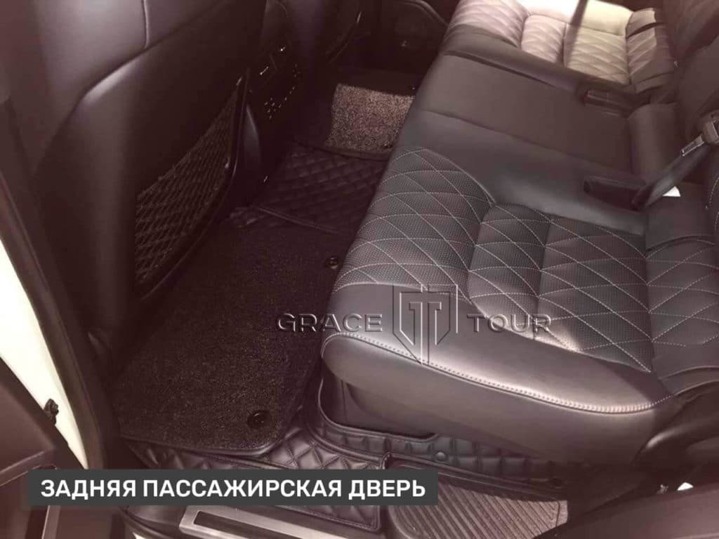 Всесезонные коврики из экокожи на Toyota Land Cruiser 200