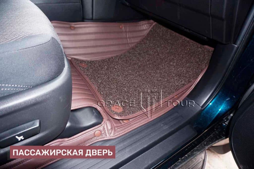 Коврики из экокожи на Toyota Land Cruiser Prado с ворсовой вставкой