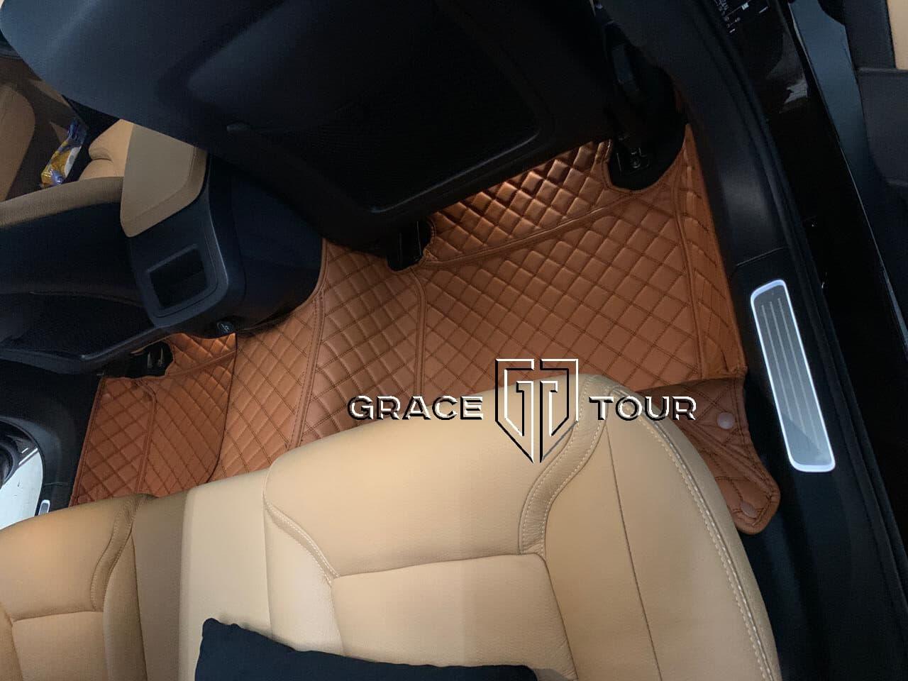 3D коврики из экокожи для Volvo XC60. Комплект для пассажиров второго ряда сидений соединен перемычкой