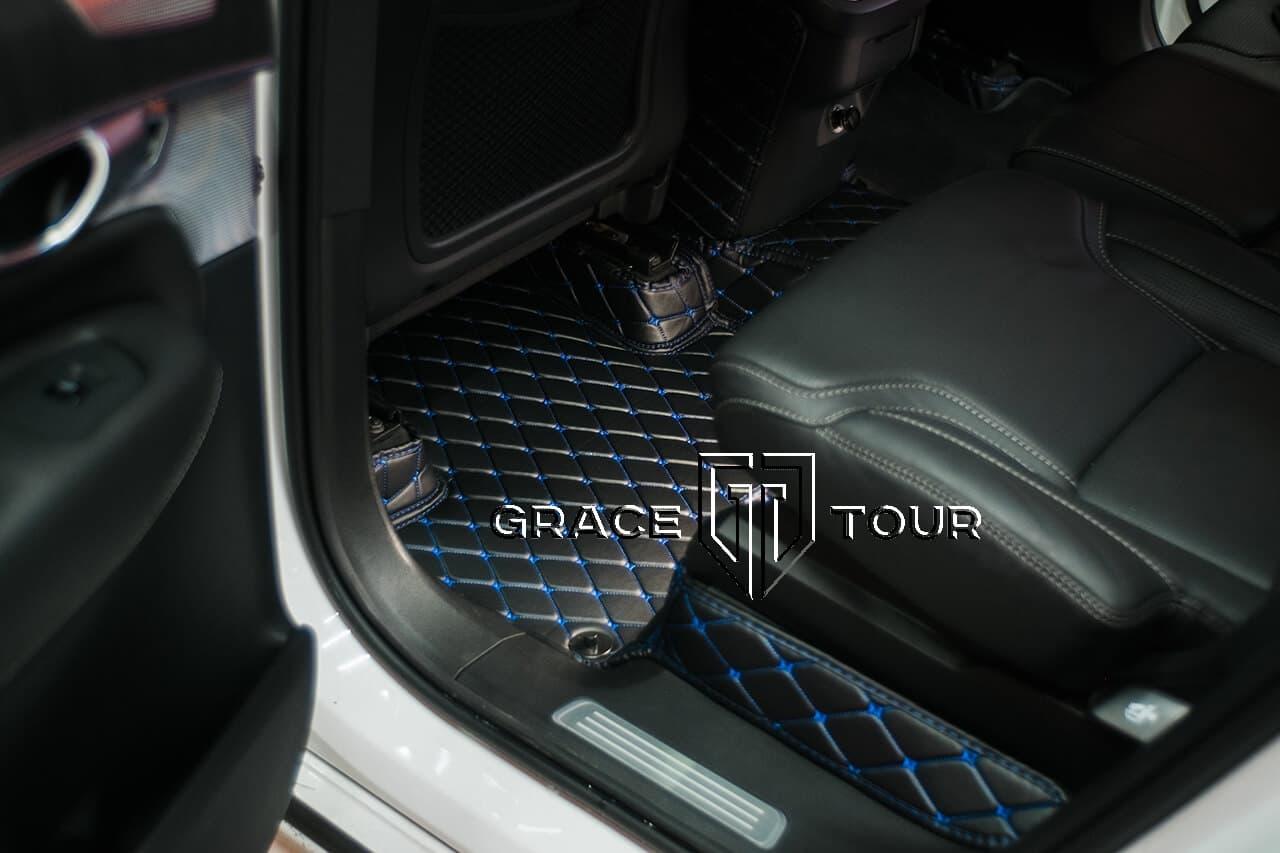 Автомобильные 3D коврики из экокожи для Volvo XC90. Комплект для пассажиров второго ряда сидений